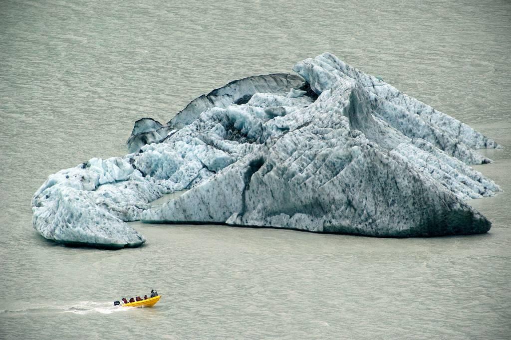Tasman_Glacier_-_Melanie_Middlemiss